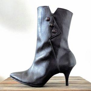 Shoes - Vintage black winter boots